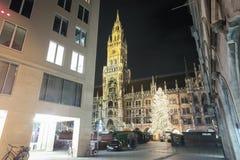 Marienplatz på Adventtid Royaltyfria Bilder