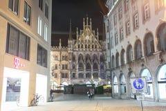Marienplatz på Adventtid Arkivfoto