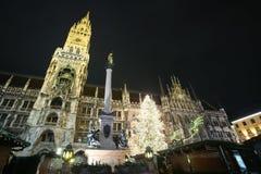 Marienplatz på Adventtid Royaltyfri Bild