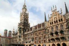 Marienplatz Rathaus-Gebäude Lizenzfreie Stockbilder