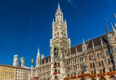 Marienplatz z Katedralnym Frauenkirche w Monachium, Niemcy zdjęcie royalty free
