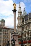 Mariensaule、一个玛丽亚3月的专栏和慕尼黑市政厅 图库摄影