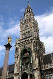 Mariensaule, столбец Мэриан и здание муниципалитет Мюнхена на mar Стоковые Фото