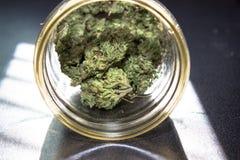 Marihuana in een Kruik Royalty-vrije Stock Afbeelding