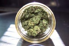 Marihuana in einem Glas Lizenzfreie Stockfotografie