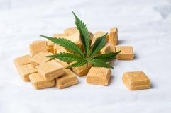 Marihuana karmelu i liścia cukierki Obraz Stock