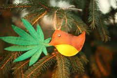 Marihuana liść w ptaka belfrze Marihuany marihuany nowego roku rozrywka obrazy royalty free