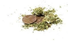 Marihuana, weißer Hintergrund Lizenzfreies Stockfoto