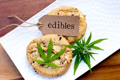 Marijuana - cannabis - Edibles médicinal - biscuits image stock