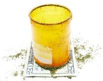 Marijuana cannabislegalisering, den vita bakgrundsstudion, förgiftar Royaltyfri Bild
