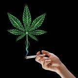 Marijuana di fumo Fotografia Stock Libera da Diritti