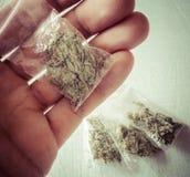 Marijuana em uns sacos de plástico fotografia de stock