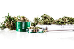 Marijuana en un fondo blanco Fotos de archivo libres de regalías