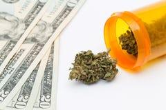 marijuanaläkarundersökning arkivfoto