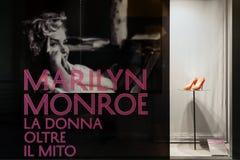 Marilyn Monroe - de vrouw achter de mythe stock afbeeldingen