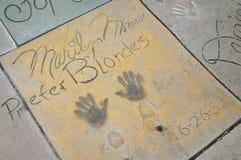 Marilyn Monroe-` s Handprints im Vorhof des chinesischen Theaters, Hollywood Lizenzfreie Stockbilder