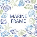 Marin- den drog ramsnäckskalhanden skissar stilillustrationpatt Royaltyfri Bild