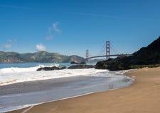 Marin Headlands y puente Golden Gate del panadero Beach Fotos de archivo