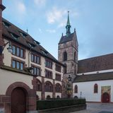 Marin kościelny Martinskirche w starym miasteczku w Basel obrazy stock