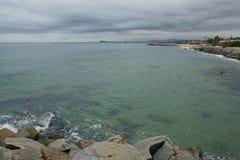 Marin- landskap i en molnig dag Arkivfoton