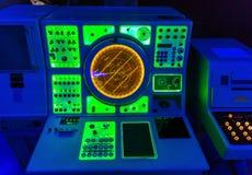 Marin- radar för navigering på bron för kapten` s arkivbilder