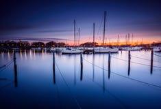 Marina au coucher du soleil Images libres de droits