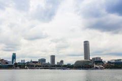 Marina Bay Cityscape och Merlion Arkivbilder