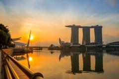 Marina Bay e sabbie SkyPark alla mattina Fotografia Stock Libera da Diritti