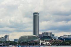 Marina Bay Esplanade Cityscape med molnigt Royaltyfria Bilder
