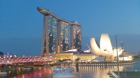 Marina Bay Sands ArtScience Museum and helix bridge Royalty Free Stock Photos