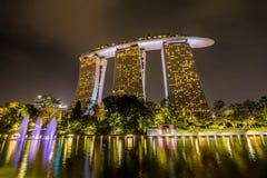 Marina Bay Sands Hotel la nuit, Singapour Photo stock