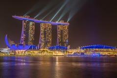 Marina Bay Sands Hotel la nuit, Singapour Images libres de droits