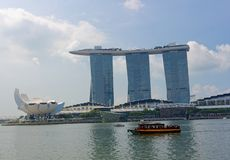 Marina Bay Sands Hotel- und Kunst- und Wissenschaftsmitte lizenzfreies stockfoto