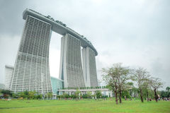 Marina Bay Sands Integrated Resort och strand Arkivbild