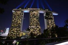Marina Bay Sands (Nachtlichten) royalty-vrije stock afbeelding