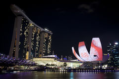 Marina Bay Sands och Art Science Museum Arkivfoto