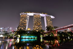 Marina Bay Sands Resort alla notte Singapore immagini stock