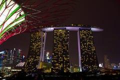 Marina Bay Sands Singapore nattplats Royaltyfri Foto