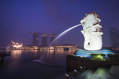 Marina bay sands, SINGAPORE OCTOBER 12, 2015: Merlion and Marina Royalty Free Stock Photos