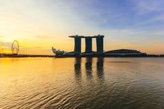 Marina Bay Sands världs dyrast fristående kasinoegenskap i Singapore på S$8 miljard på Maj 15, 2016 Arkivbild