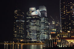 Marina Bay Singapore. SINGAPORE/SINGAPORE - CIRCA NOVEMBER 2015: Night view of Singapore's Marina Bay Royalty Free Stock Images