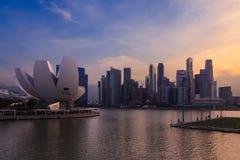 Marina Bay Singapore synvinkel, skymning Fotografering för Bildbyråer