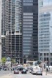Marina City och trafik Arkivfoto