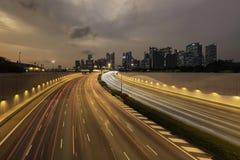 Marina Coastal Expressway och horisont av Singapore Arkivbilder