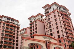 Marina Court Resort Condominium Facade in Malaysia Lizenzfreie Stockbilder