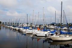 Marina de bateau à voiles Image libre de droits