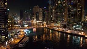 Marina de Dubaï par nuit photo stock
