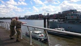 Marina de guerra real y el HMS Middleton Imagenes de archivo
