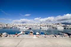 Marina de luxe d'horizon de Puerto Banus Photos stock