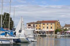Marina de Novigrad en Croatie Photo stock